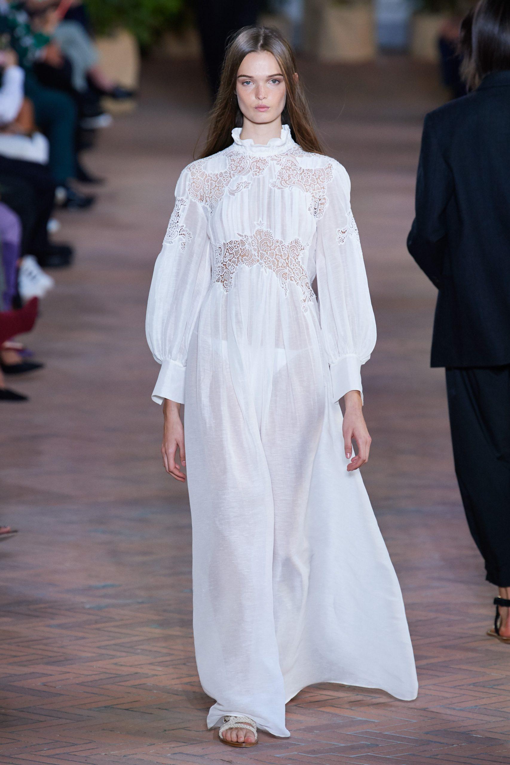 Alberta Ferretti Spring 2021, vestidos de novia para mujeres alternativas - Wedding Hub - 07