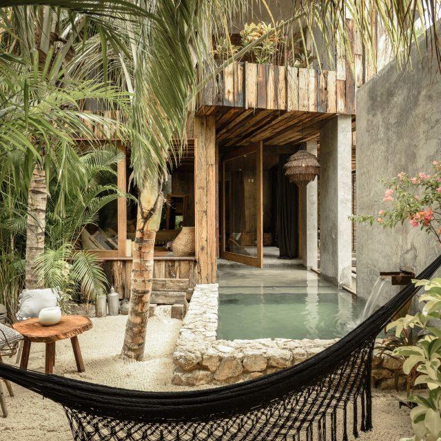 https://weddinghub.wtf/wp-content/uploads/2020/10/Los-hoteles-más-exclusivos-de-Tulum-para-boda-hoteles-en-Tulum-para-luna-de-miel-Be-Tulum-Wedding-Hub-03-640x640.jpg