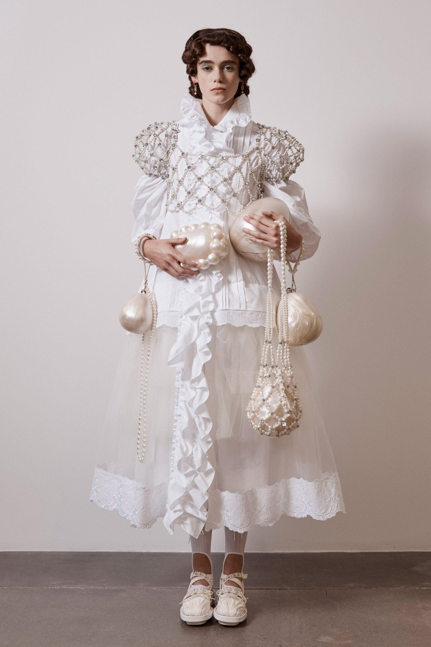Simone Rocha Spring 2021, vestidos de novia 2021 Simone Rocha - Wedding Hub - 06