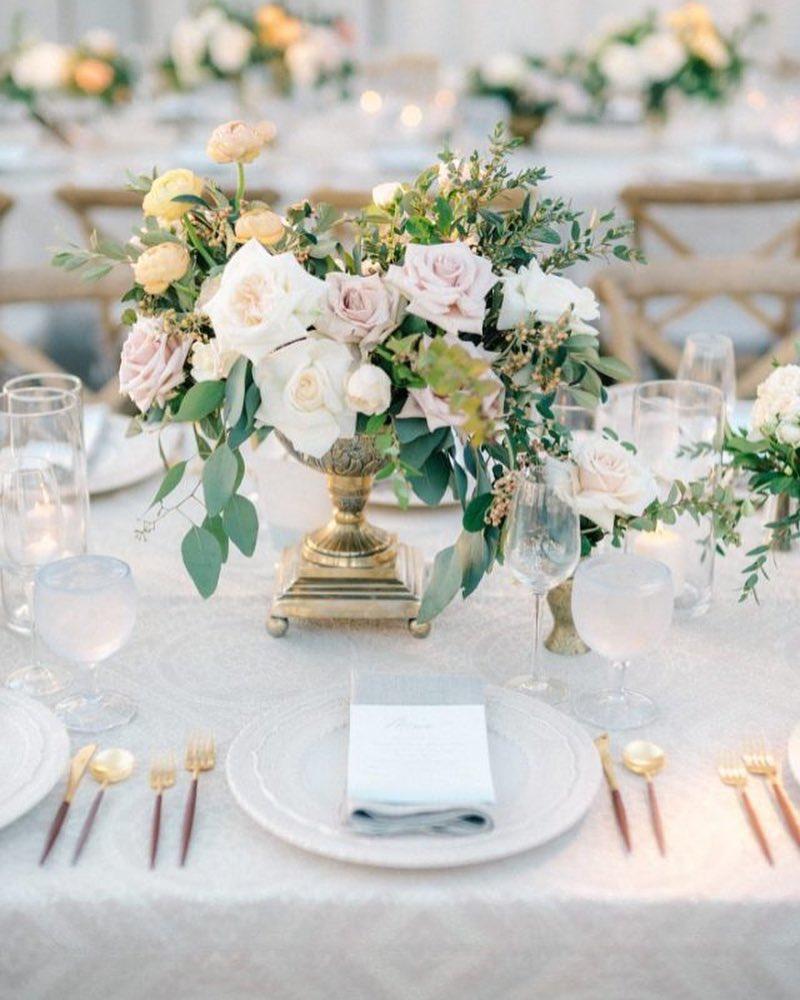Beth Helmstetter Events - Wedding Hub - 04