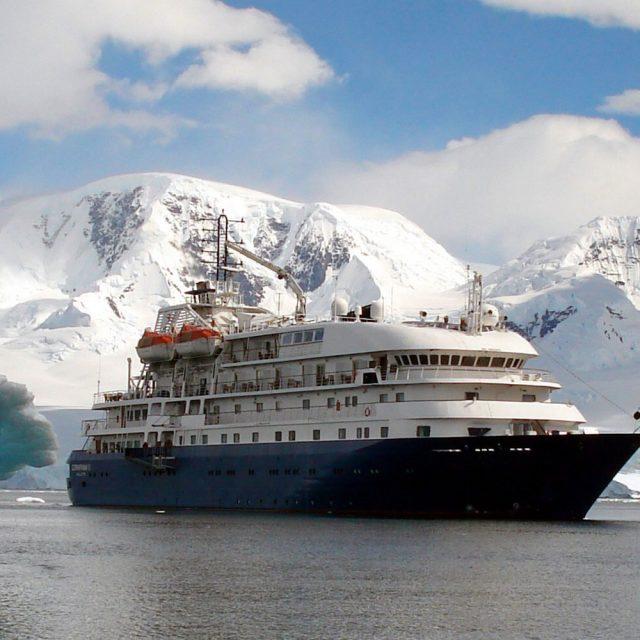 Hebridean Sky: La apuesta número uno para conocer Antártida en tu luna de miel