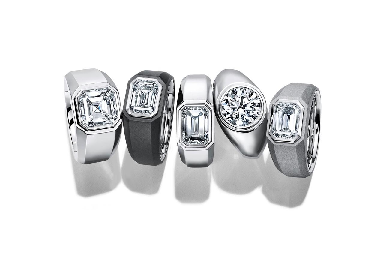 El primer anillo de compromiso para hombre lo tiene Tiffany & Co. y así se ve