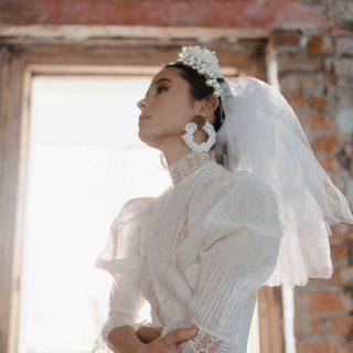 38 años después: La editorial de moda que reavivó el amor por los vestidos de novia vintage