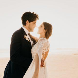 Pau & Ricardo: Una boda de lujo inspirada en la magia del desierto en Los Cabos