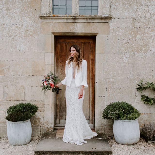 https://weddinghub.wtf/wp-content/uploads/2021/06/Es-necesario-tener-damas-el-día-de-la-boda-Nicola-Dixon-Photography-Wedding-Hub-01-640x640.jpg