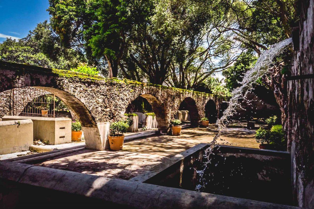 https://weddinghub.wtf/wp-content/uploads/2021/06/Hacienda-de-Chiconcuac-haciendas-para-boda-en-México-haciendas-para-boda-en-Morelos-Wedding-Hub-02-1280x854.jpeg