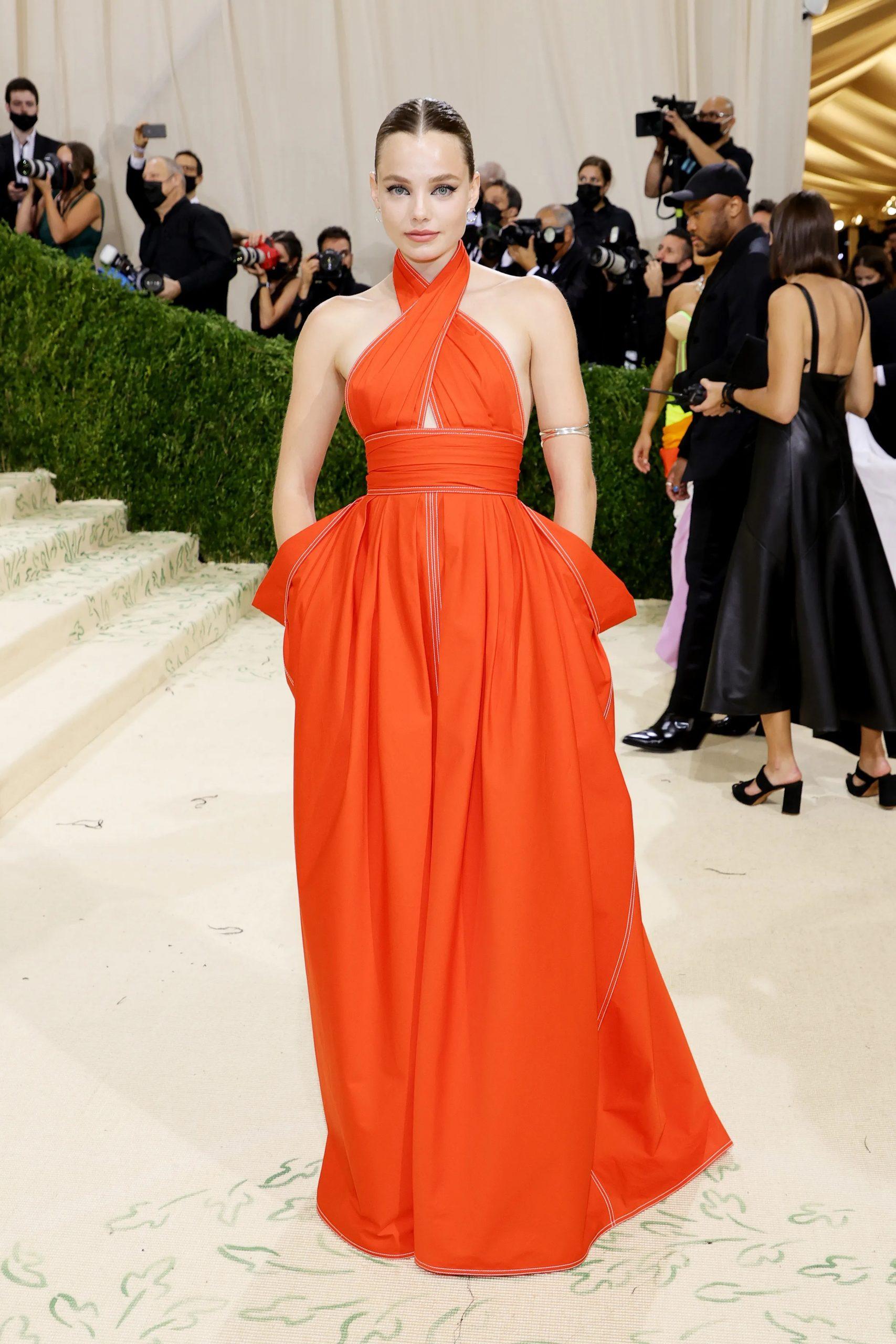 Kristine Froseth, MET GALA 2021, Los vestidos más cool y originales de la MET GALA 2021 - Wedding Hub - 01