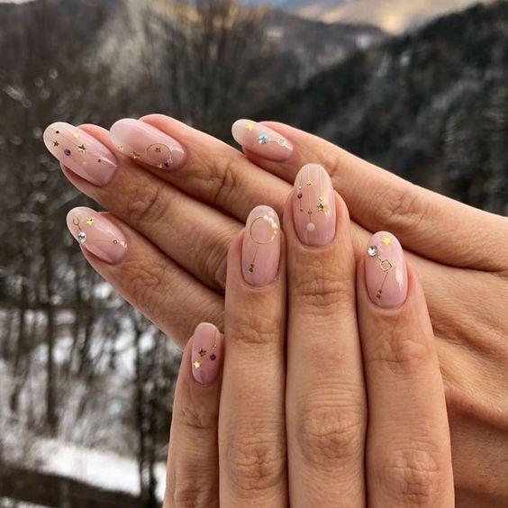 Tendencias en manicure para novias 2021 2022 - - Wedding Hub - 027
