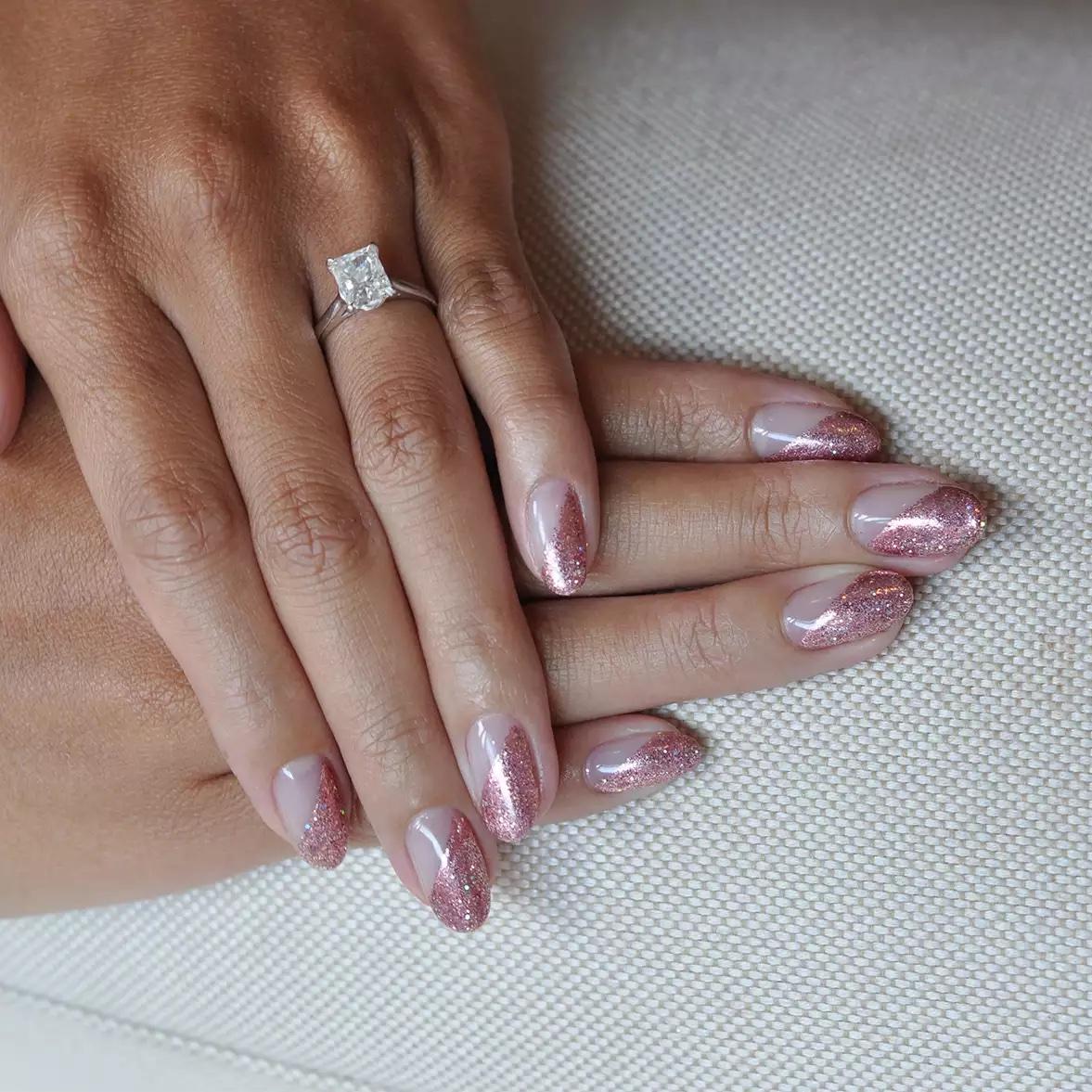 Tendencias en manicure para novias 2021 2022 - - Wedding Hub - 03