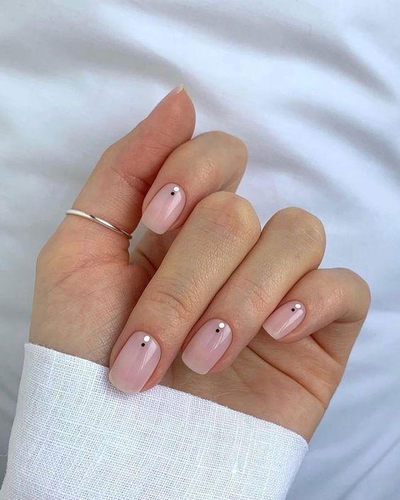 Tendencias en manicure para novias 2021 2022 - - Wedding Hub - 039