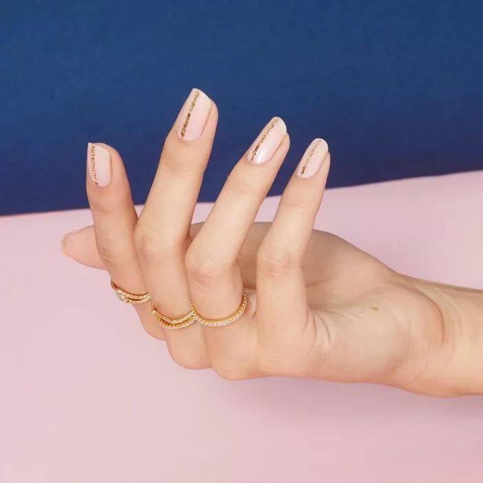 Tendencias en manicure para novias 2021 2022 - - Wedding Hub - 04