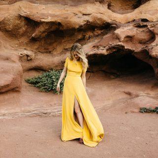 ¿Y si eliges un vestido de novia de color? Encontramos los diseños más cool