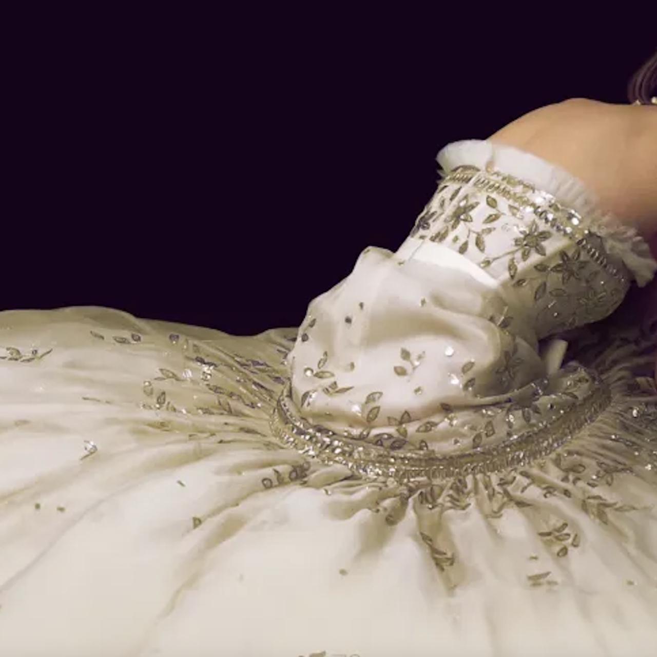 """Kristen Stewart y el vestido de novia de Lady Di en """"Spencer"""""""