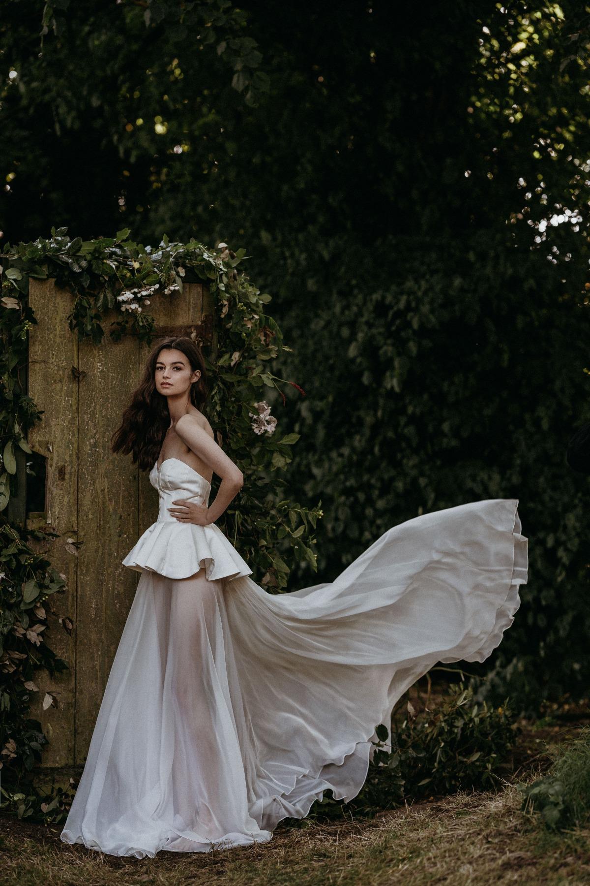 vestidos de novia veganos 2022, tendencias en vestidos de novia 2022 - sanyukta shrestha - wedding hub - 04